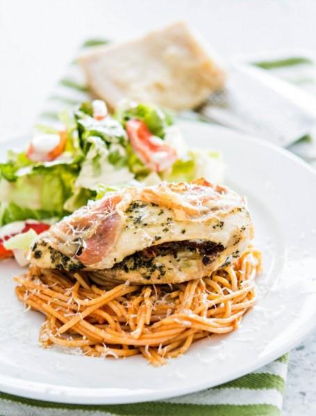 Pesto-and-Sundried-tomato-stuffed-Chicken-breast