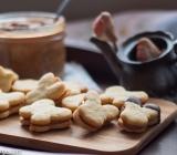 Gluten Free Sugar Cookie Sandwiches with Dulce De Leche